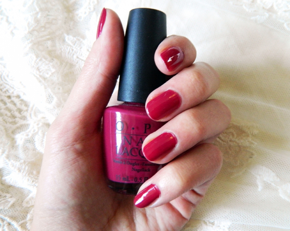Vamp nails - лак за нокти Miami beet by OPI